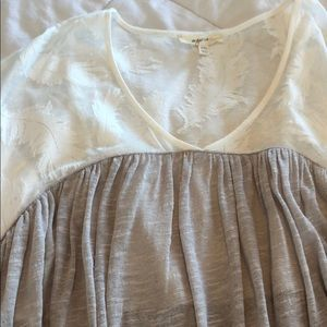 Tops - Flowy cream and lace top